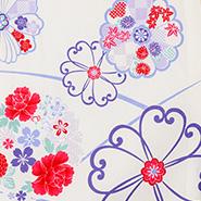 赤と紫の花をあしらった生地