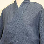 濃い灰色の袴