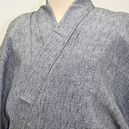 薄い灰色の袴