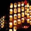 祭りで飾られる提灯
