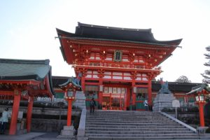 京都駅からひと駅花かんざし 伏見稲荷大社